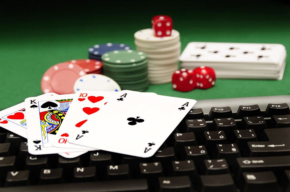 Listed Below Are Four Online Gambling Ways Everybody Believes